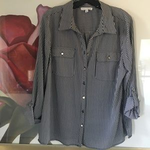 💋💋💋BEAUTIFUL HIGH/LOW BUTTON DOWN BLOUSE